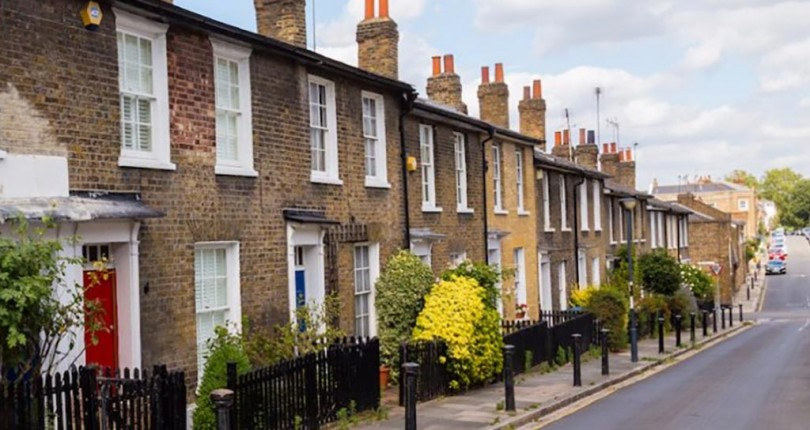 UK Houseprices – Growth significantly slowed so what does that mean for you?